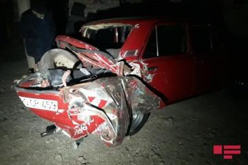 В Азербайджане ВАЗ столкнулся с поездом, есть раненые - [color=red]ФОТО[/color]
