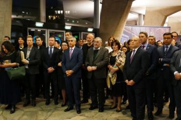 UNESCO-nun baş qərargahında Azərbaycan xalçalarının sərgisi açılıb