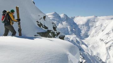 Fransada dağ xizəkçiliyi mərkəzində qar uçqunu zamanı iki nəfər ölüb