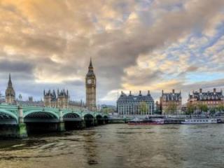 В Великобритании впервые за три месяца откроются пабы, рестораны и гостиницы