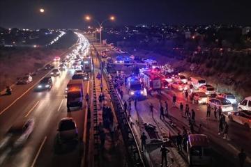 Türkiyədə avtobus aşıb, 1 nəfər ölüb, 17 nəfər yaralanıb - [color=red]FOTO[/color]