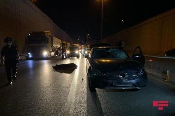 В Баку автомобиль сбил насмерть пешехода – [color=red]ФОТО[/color] - [color=red]ВИДЕО[/color]