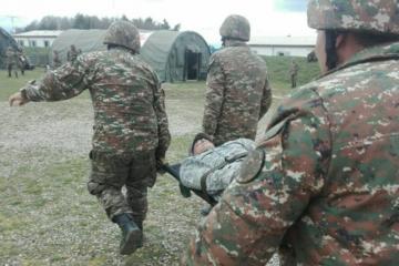 Армения начала признавать потери в боях, сообщается о двух погибших офицерах