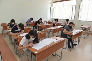 Выпускники школ и абитуриенты могут распечатать «пропускные листы» на экзамены 23 и 24 июля