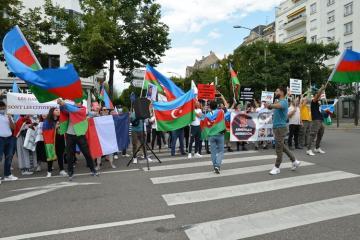 В Страсбурге состоялось шествие в знак протеста против оккупационной и агрессивной политики Армении - [color=red]ФОТО[/color]