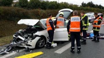 Fransada yol qəzasında bir ailənin 9 üzvündən 5-i ölüb, 4-ü ağır yaralanıb
