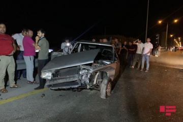 На дороге Баку-Сумгайыт столкнулись 3 автомобиля, есть пострадавшие - [color=red]ФОТО[/color]