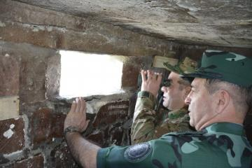 Azerbaijan's SBS General and Deputy Military Prosecutor visit border with Armenia - [color=red]PHOTO[/color]