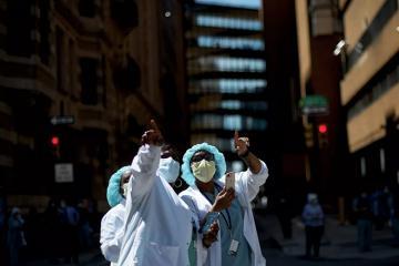 ÜST: Dünyada bir gündə 137 minədək insanda koronavirus aşkar olunub