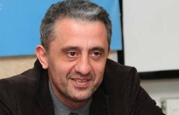 """Şair Səlim Babullaoğlu koronavirus şübhəsi ilə """"Yeni klinika""""ya yerləşdirilib"""