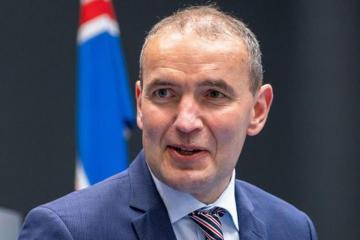 Qudni Yohannesson yenidən İslandiya prezidenti seçilib
