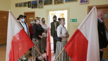 Во второй тур выборов президента Польши вышли Дуда и Тшасковский