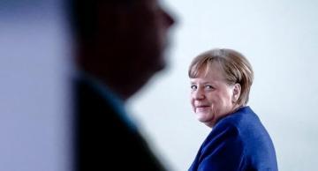 Меркель ответила, почему ее никто не видел в маске