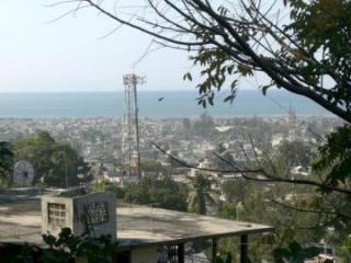 В столице Гаити не менее 8 человек погибли при стрельбе