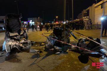 В результате ДТП в Баку: погибли 2 человека, еще 2 пострадали - [color=red]ФОТО[/color]