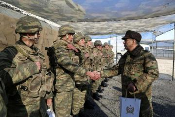 Azerbaijan's Minister of Defense meets with servicemen serving in the front line - [color=red]VIDEO[/color]