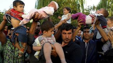 Совет ЕС обсудит поддержку Греции в ситуации с беженцами 13 марта