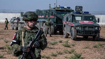 Военные России и Турции провели совместное патрулирование в Сирии