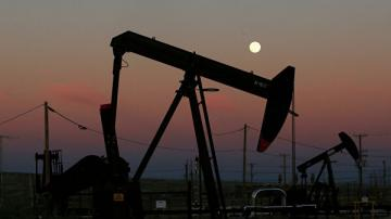 Цена нефти марки WTI обвалилась более чем на 10%
