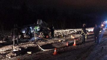 Шесть человек погибли в ДТП в РФ