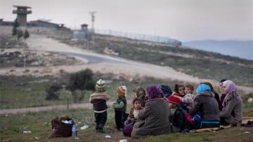 Генсек НАТО поддержал диалог Турции и ЕС по беженцам