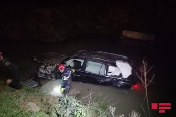 В Астаре Lexus упал с моста, погиб водитель - [color=red]ФОТО[/color]