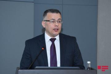 Вюсал Гасымлы: В ближайшие дни интенсивность обмена валюты в банках снизится
