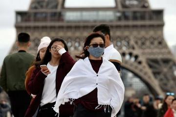 Число случаев заражения коронавирусом в Германии за сутки выросло почти на 1,4 тыс.