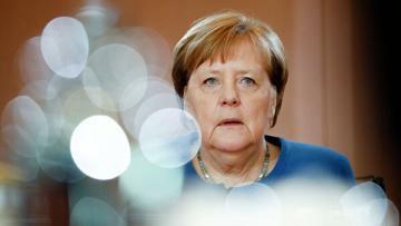 Меркель отправилась на карантин