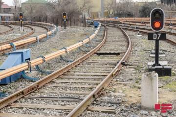 В Гаджигабуле поезд сбил мужчину