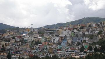 В Эквадоре атаковали и сожгли лагерь меднодобывающей компании
