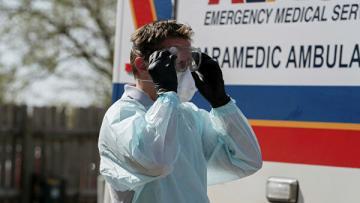 В США скончались более трех тысяч пациентов с коронавирусом