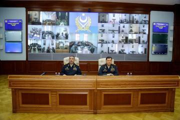 Министр обороны Азербайджана потребовал быть в готовности к ведению боевых действий