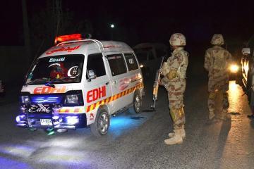 Pakistanda hərbçilərin maşını partladılıb, ölənlər var