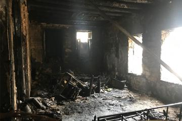 Göyçayda ev yanıb