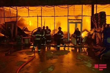 "Azerbaijani MES: ""Reason of fire at EuroHome building materials market being investigated"""