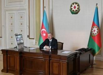 Президент Азербайджана: Школы и университеты до конца учебного года не откроются