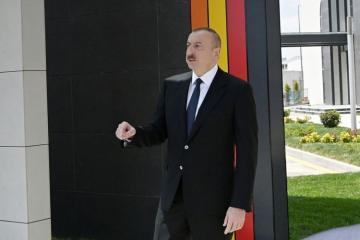 Президент Ильхам Алиев: В Армении деньги расходуются на возведение памятников фашистам