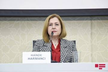 Ханде Харманджи: Наш путь борьбы с пандемией долгий