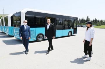Президент Ильхам Алиев ознакомился с выделенными для Шамахинского района транспортными средствами и спецтехникой - [color=red]ОБНОВЛЕНО[/color]