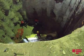 В Гяндже ВАЗ упал в яму, есть погибший - [color=red]ФОТО[/color] - [color=red]ОБНОВЛЕНО[/color]