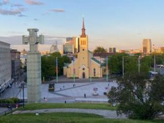 Площадь в Таллине окрасилась в цвета азербайджанского флага - [color=red]ФОТО[/color]