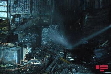 В Баку на рынке древесных материалов произошел пожар - [color=red]ФОТО[/color] - [color=red]ОБНОВЛЕНО[/color]