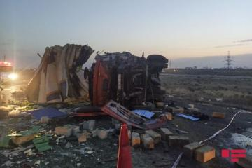 Two trucks collide in Azerbaijan's Sumgait, fatal casualties reported - [color=red]PHOTO[/color]