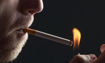 TƏBİB: Курильщики более подвержены риску заражения коронавирусом
