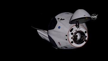 У экипажа Crew Dragon возникли сложности с системой связи с Землей