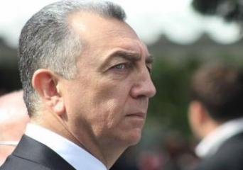 Эльдар Азизов: В Армении на фронт уже отправляют женщин и детей