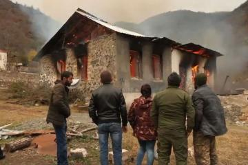 Armenians leaving Kalbajar set fire to houses, demolish shops and power substations - [color=red]VIDEO[/color]