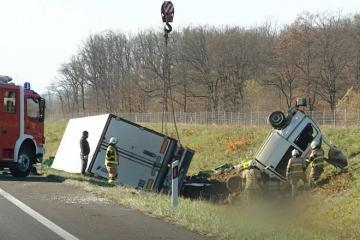 Xorvatiyada yük maşını ilə mikroavtobusun toqquşması nəticəsində sərnişinlərdən 4-ü ölüb, 5-i yaralanıb