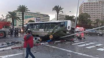 Tunisdə iki avtobus toqquşub, onlarla yaralı var